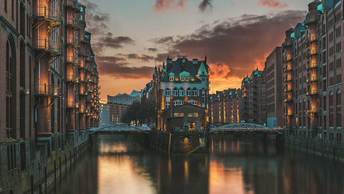 Speicherstadt Hamburg Wasserschloss Sonnenuntergang