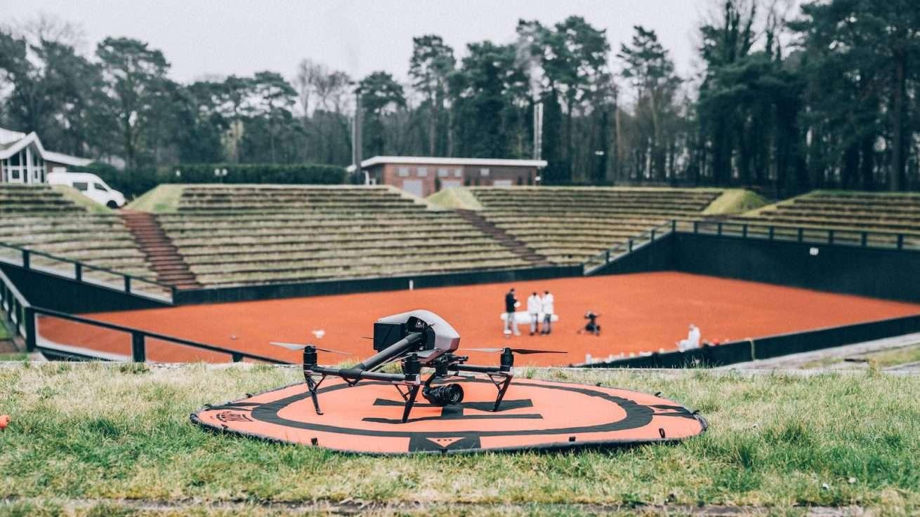Drohne Inspire 2 für Drohnenaufnahmen am Set für Imagevideo Produktion